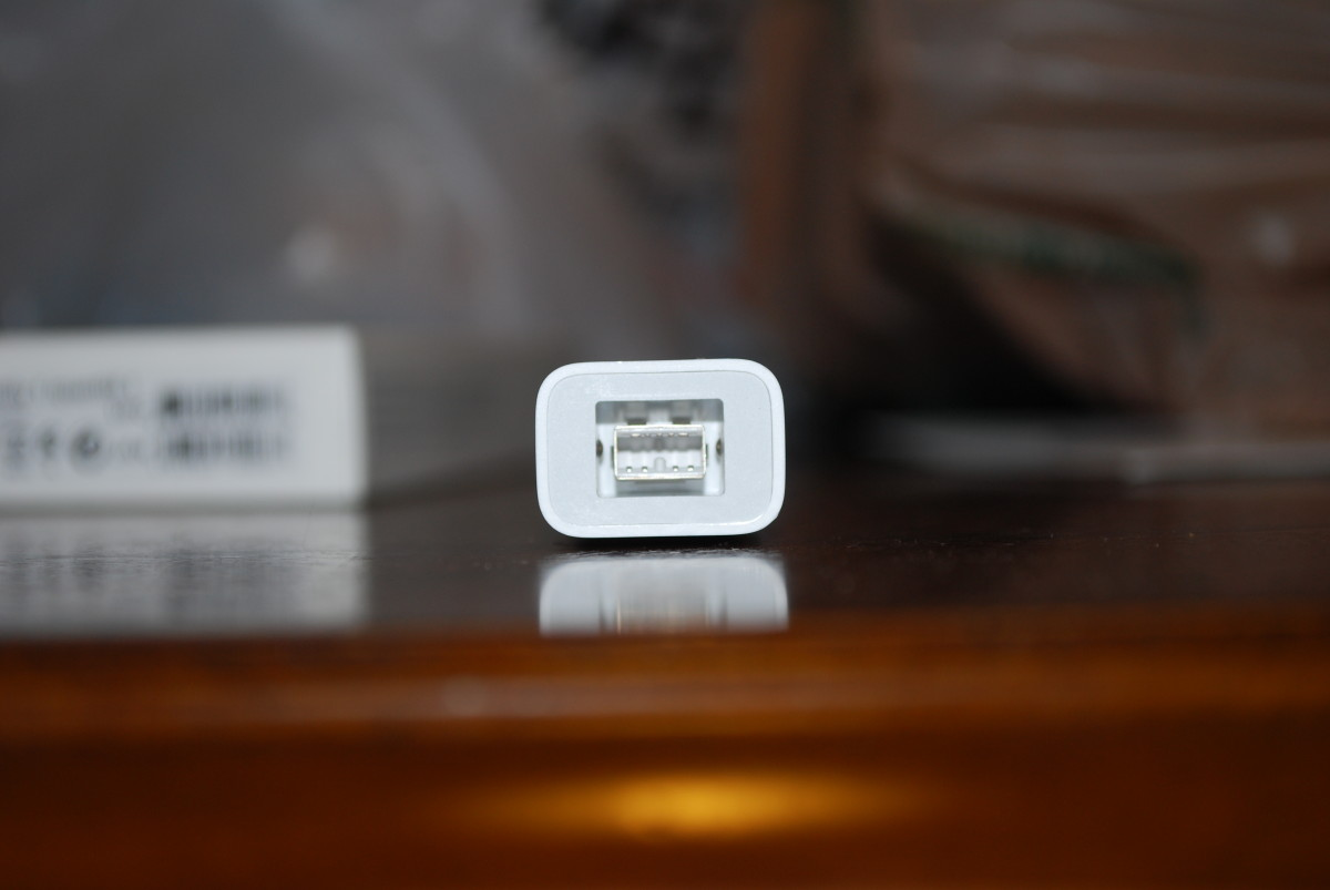 Unboxing: Apple Thunderbolt to FireWire Adapter Cable